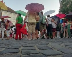 Esernyők villámcsődülete
