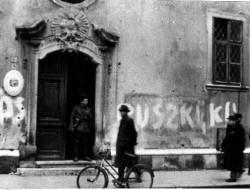 Októberi történet: a család, akiket a Koch László utcából hurcoltak el