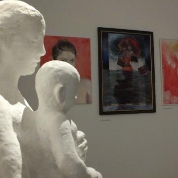 Csöndnél és félhomálynál többet érdemelne a Fejér megyei művészek közös tárlata