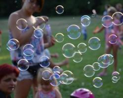 Nyárbúcsúztató buborékfújás