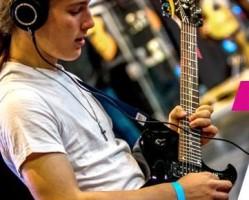 Hangszert a kézbe