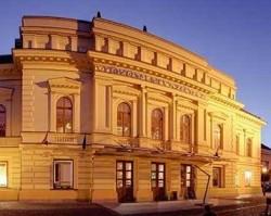 Véradás a Vörösmarty Színházban