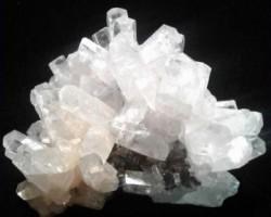 Gyöngyöszoroszi kristálycsodái ásványkiállítás