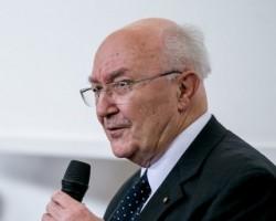 Dr. Tringer László pszichiáter előadása
