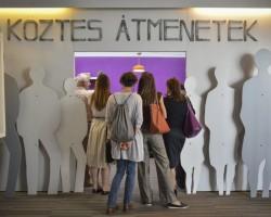 Köztes Átmenetek - drogprevenciós kiállítás