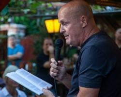 Pálya: Beszélgetés Kukorelly Endrével írásról & fociról