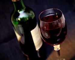 SHIRAZ –SYRAH vaktesztes borkóstoló a Borárban