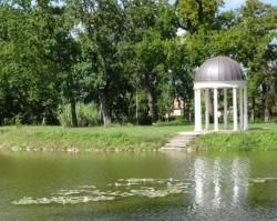 Botanikai séta a Károlyi Kastély parkjában