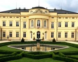 Mozart-est a Károlyi-kastélyban