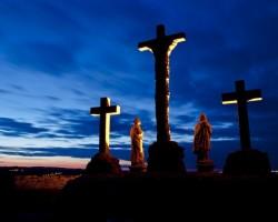 Pünkösdi kirándulás - Csodás élmények az ország legnagyobb juharfája és a szent kút körül