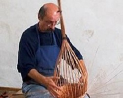 Tolvaj Csaba kosárfonó kiállításának megnyitója