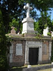 Júniusi séta a Hosszú temetőben