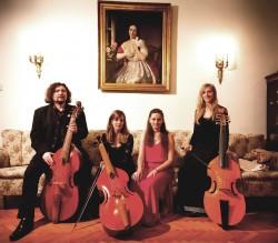 Barokk zene és szabad improvizáció két zenekarra